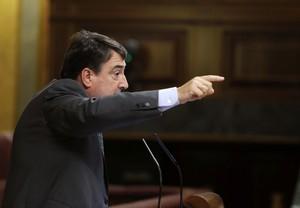 El portavoz del PNV en el Congreso, Aitor Esteban, ha criticado con dureza a Mariano Rajoy por no haber hecho ni un mínimo gesto para lograr el voto de los peneuvistas