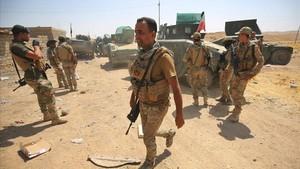 Tropas iraquís en su avanca hacia la ciudad de Tal Afar.