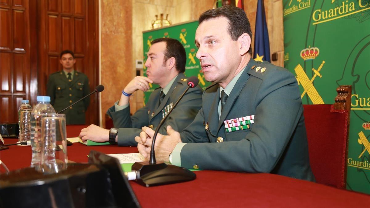 El teniente coronel Jefe Accidental de la Comandancia de la Guardia Civil de Almería, José Hernández Mosqueray el comandante de la Unidad Central Operativa, Jesús Reina.