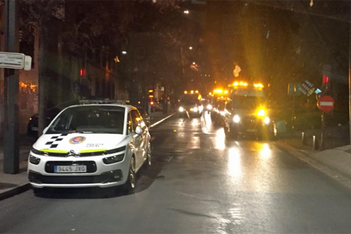 Una mujer muerta y numerosos heridos en el incendio de un edificio en Granada