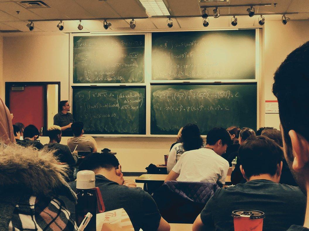 Miles de universitarios cambian de residencia para cursas sus estudios