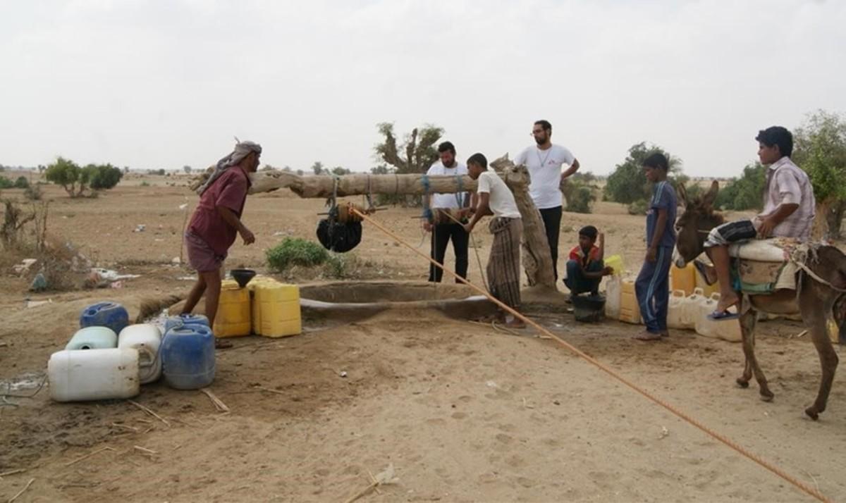 Urge potabilizar el agua para abordar la epidemia de cólera que asola Yemen.
