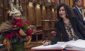Yasmina Reza, en el Saló de Cent del Ayuntamiento.