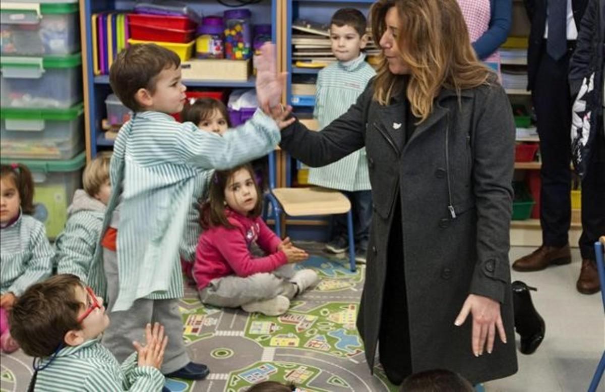 La presidenta de la Junta de Andalucía, Susana Díaz, durante una visita a un colegio en Jérez de la Frontera (Cádiz).