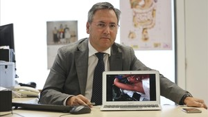 El doctor Pablo Moreno, responsable de la nueva técnica de extirpación de tiroides.