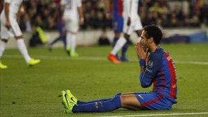Neymar durante el partido entre el Barça y el PSG en marzo del 2017 en el Camp Nou que ya es historia del fútbol por la remontada blaugrana (6-1).