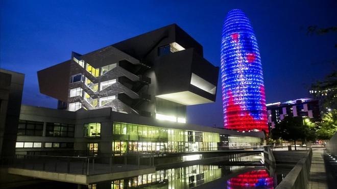 """""""Las mejores vistas de la ciudad: pararrayos de la Torre Agbar"""""""