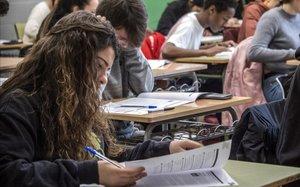 Caos en el sistema de notes de l'escola pública de Catalunya i altres notícies que has de saber avui, en un minut