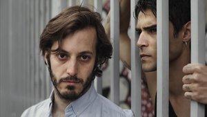 Pablo Gómez-Pando (izquierda) y Pablo Espinosa en 'Tebas Land', dirigida por Natalia Menéndez.