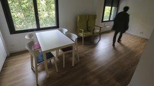 Barcelona inaugura el primer hotel social per a persones sense llar