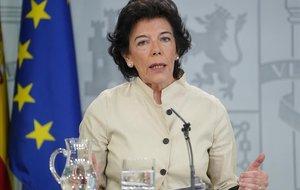 La ministra portavoz, Isabel Celaá, tras el Consejo de Ministros.