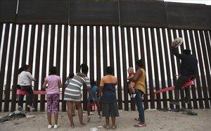¿Los políticos sueñan o están despiertos ante la pobreza y la inmigración?