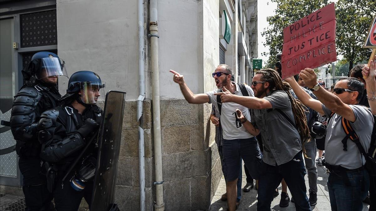 40 detinguts en una protesta contra la violència policial a Nantes