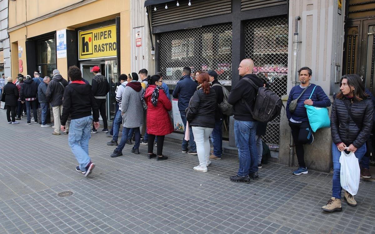 "Defensa urge a Iglesias a que ""dé órdenes"" para proteger a sintecho"