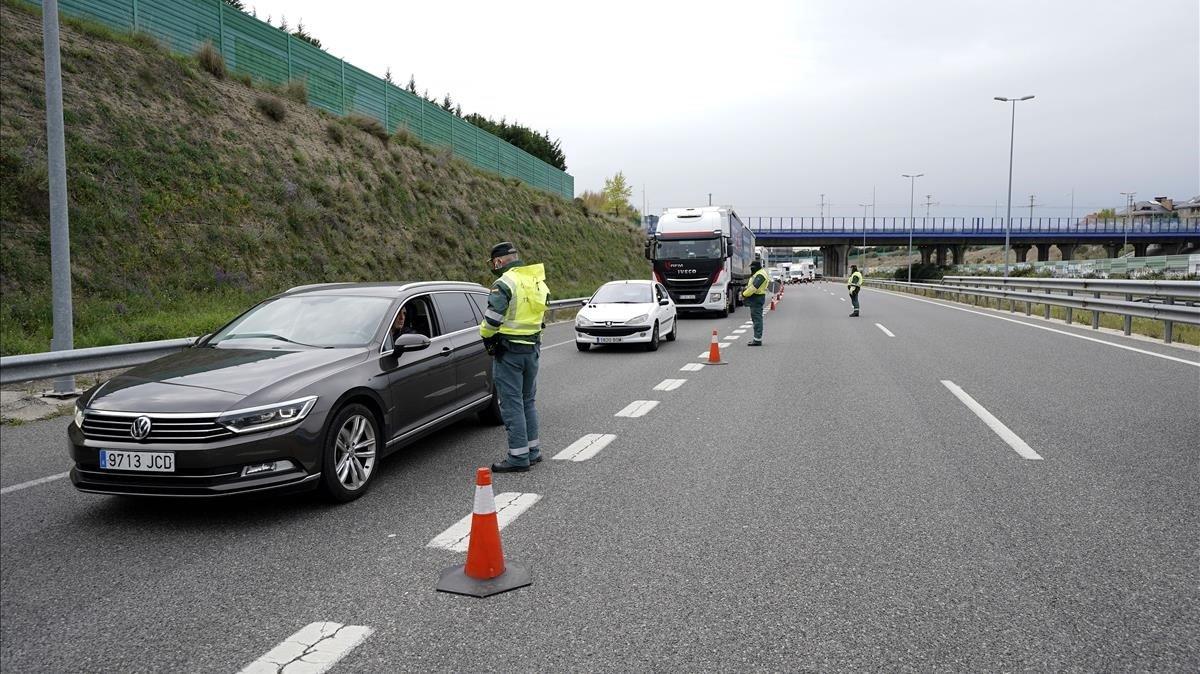 El Govern prorroga 14 dies els controls de fronteres amb França i Portugal