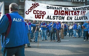 Concentració dempleats dAlstom davant la Conselleria dEmpresa i Ocupació divendres passat.