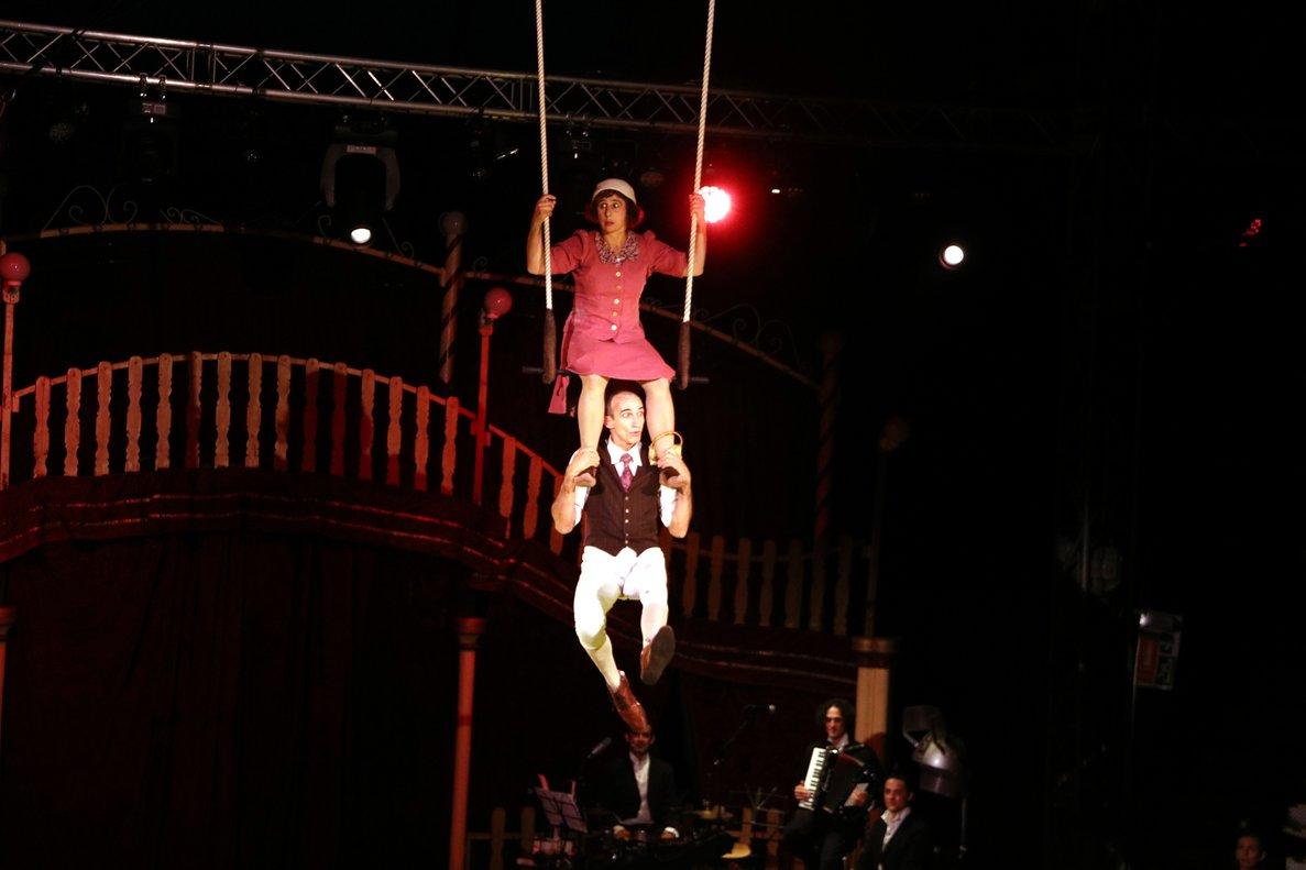 Actuación del dúo alemán Die Mayer el pasado 18 de octubre en Cornellà