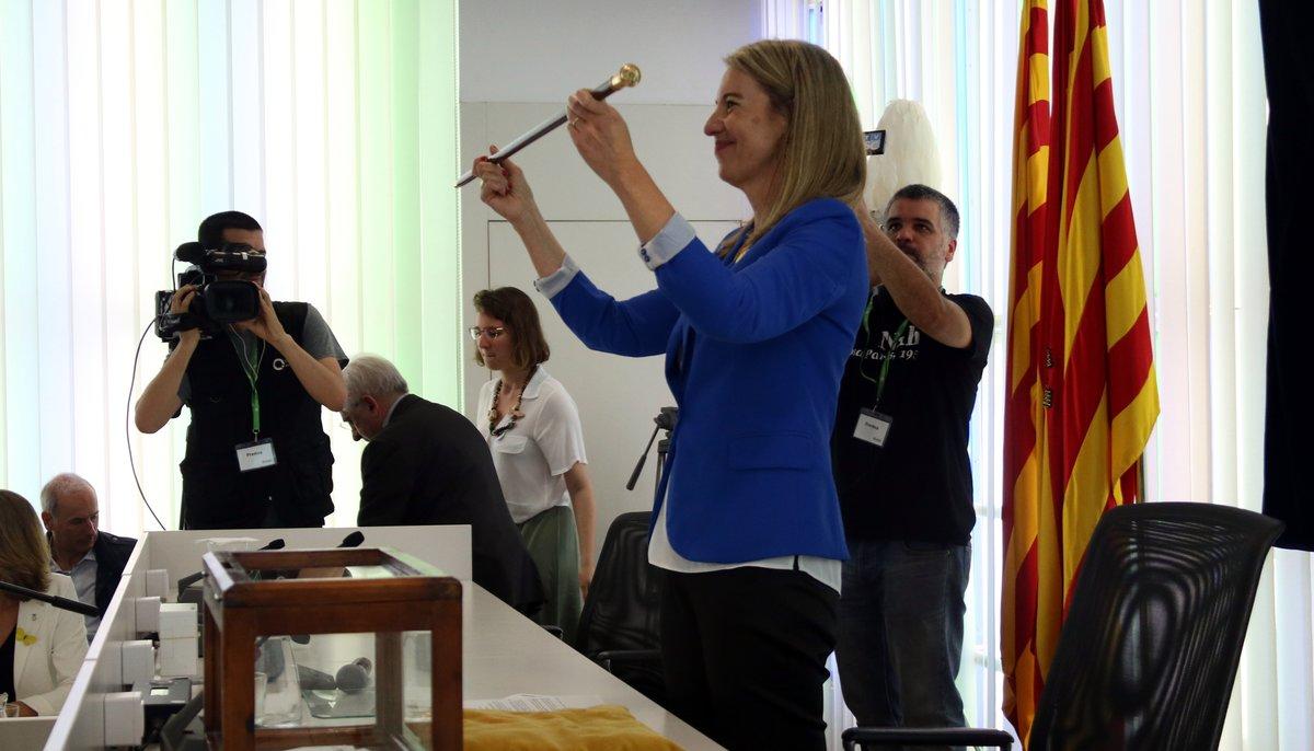 La alcaldesa de Sant Cugat, Mireia Ingla, en la toma de posesión.