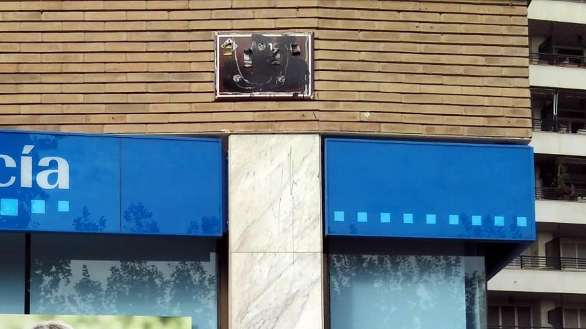 La placa de la calle Alcalde Areny en Lleida