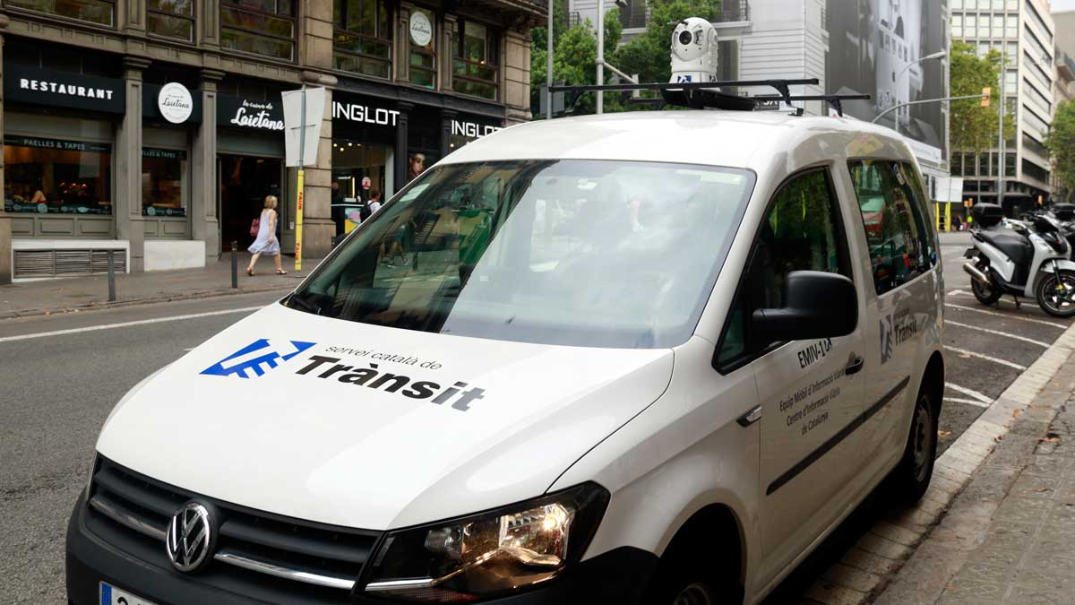 Así funcionan los equipos móviles de información viaria (EMIV).