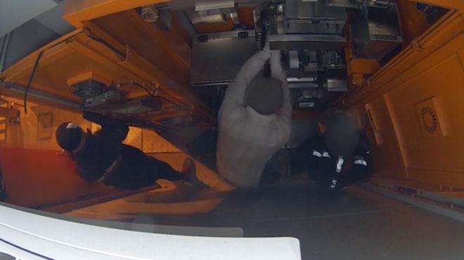 Así roban los ladrones en un peaje de la AP-7.