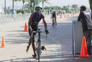 Assalten un triatleta a Sud-àfrica i intenten tallar-li les cames amb una motoserra
