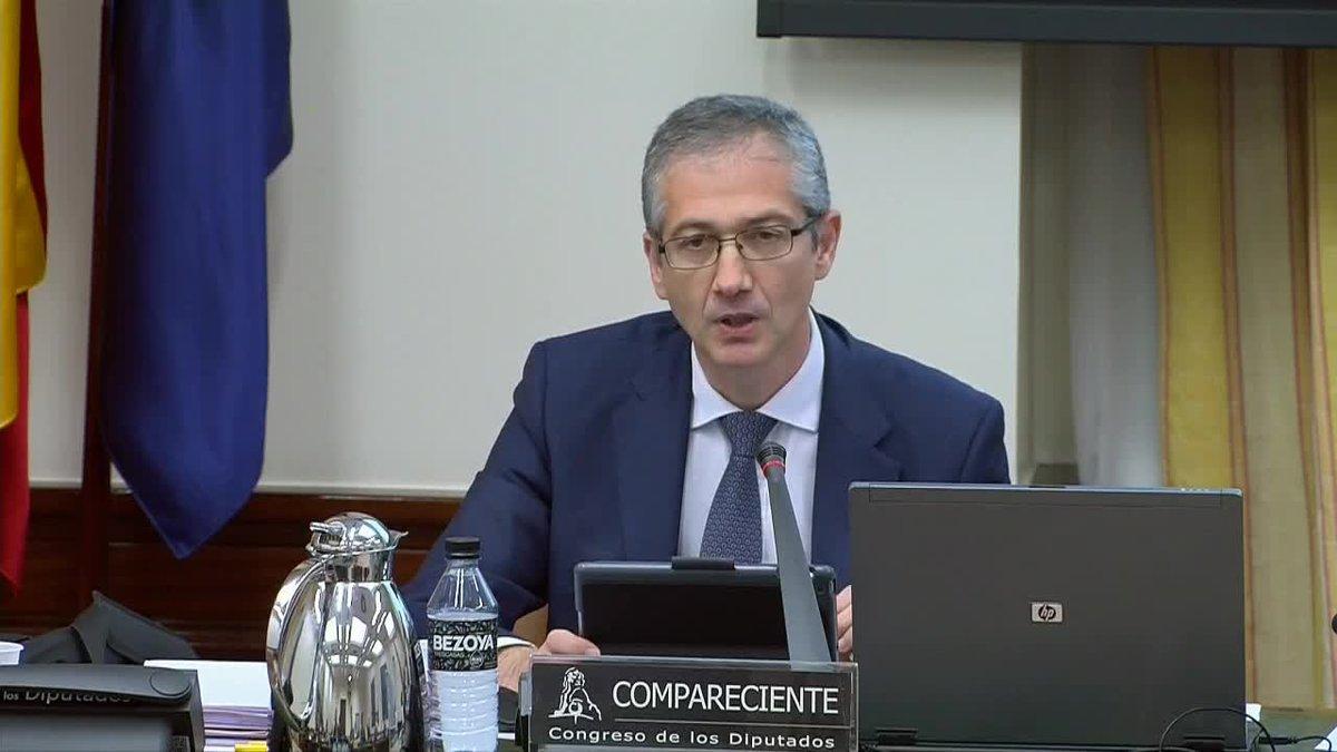 El gobernador del Banco de España, Pablo Hernández de Cos, ha señalado que el papel de la política fiscal en la reducción del endeudamiento público es crucial ante la crisis económica motivada por el coronavirus.