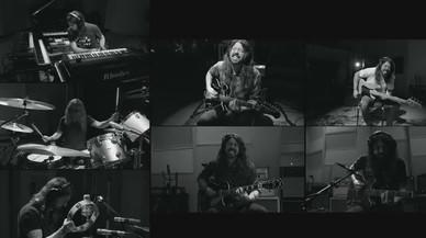 Dave Grohl se multiplica por siete en su último proyecto en 'solitario'