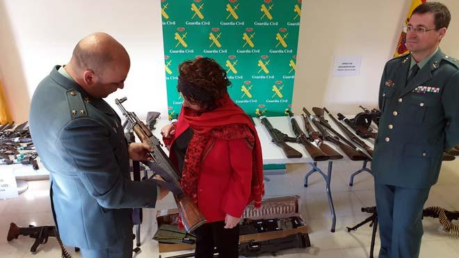 Detenido un hombre en Salamanca con 121 armas en su casa.