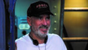 El director Roland Emmerich, en el rodaje de 'Midway'