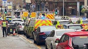 Dispositivo de emergencias cerca del hotel del ataqueen Glasgow.