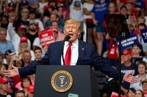 Donald Trump, durante su mitin de inicio de campaña, este martes en Orlando.