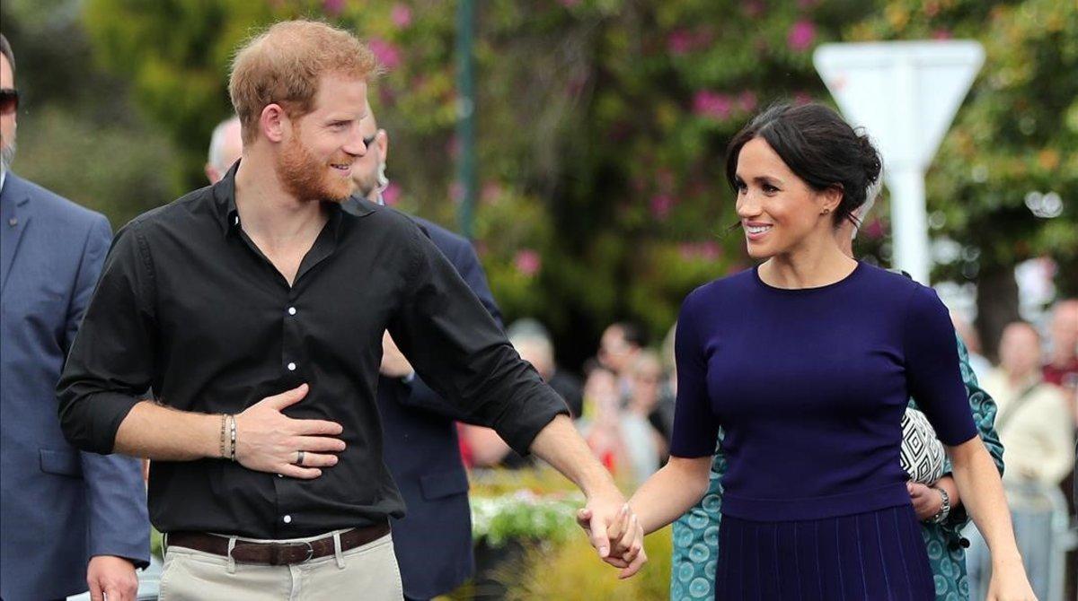 El príncipe Enrique y su esposa Meghan Markle, en Nueva Zelanda, el pasado 31 de octubre.