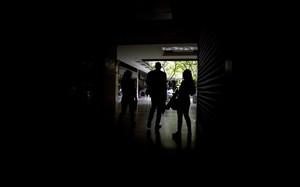 Establecimiento a oscuras en Caracas.