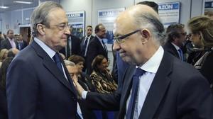 Florentino Pérez y Cristóbal Montoro, ministro de Economía.