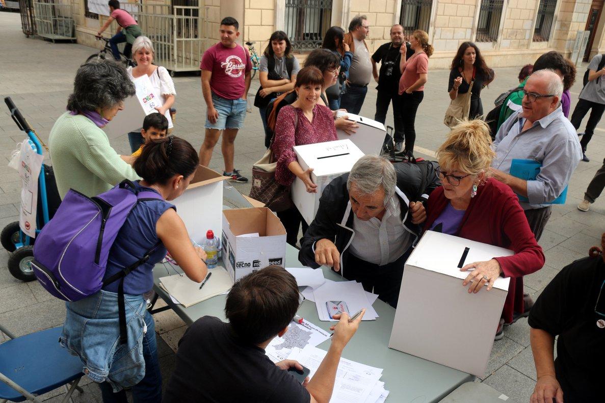La república s'imposa a la monarquia amb el 98,18% dels vots en la consulta popular de Sabadell
