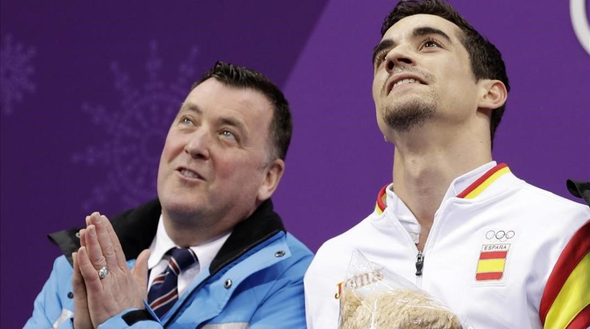 Javier Fernández, junto a su entrenador Brian Orser.