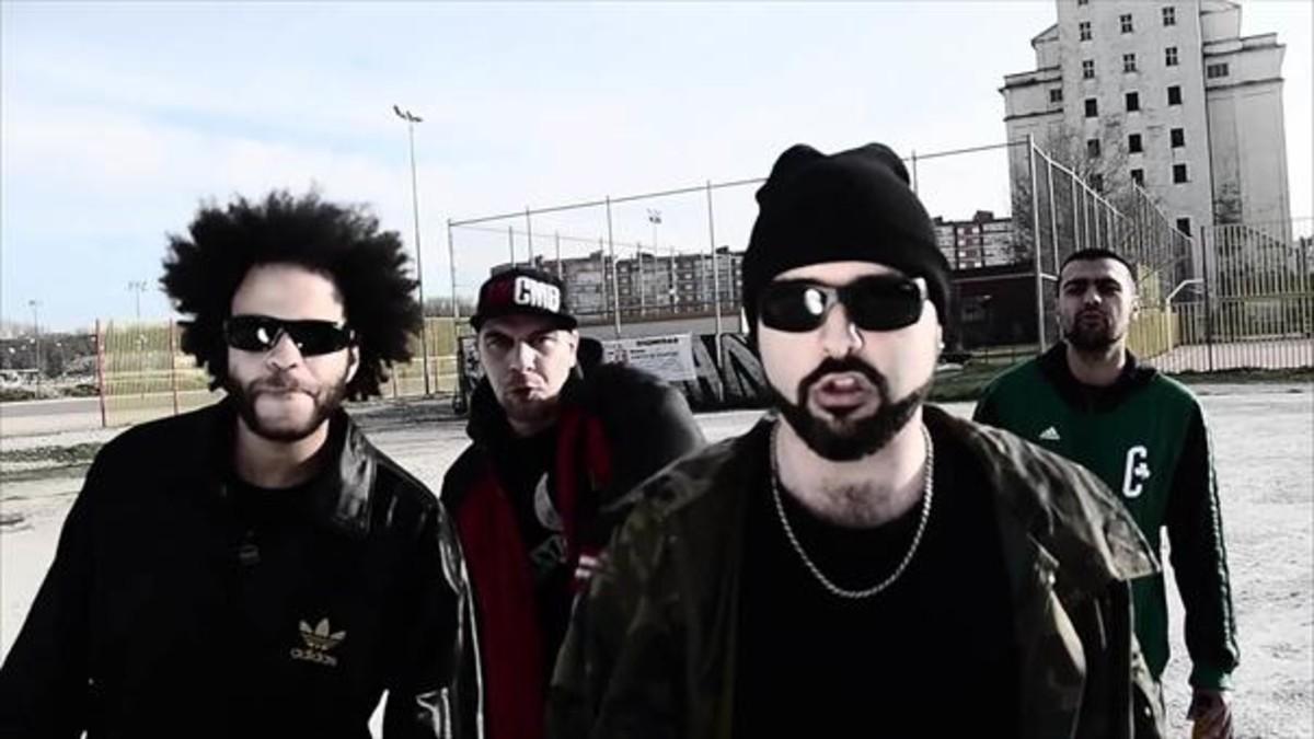 Dingoe Starr, Narko, Lout y Kopoet, en el videoclip de la canción Gamonal resiste.