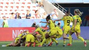 Las jugadoras suecas celebran el triunfo sobre Inglaterra.