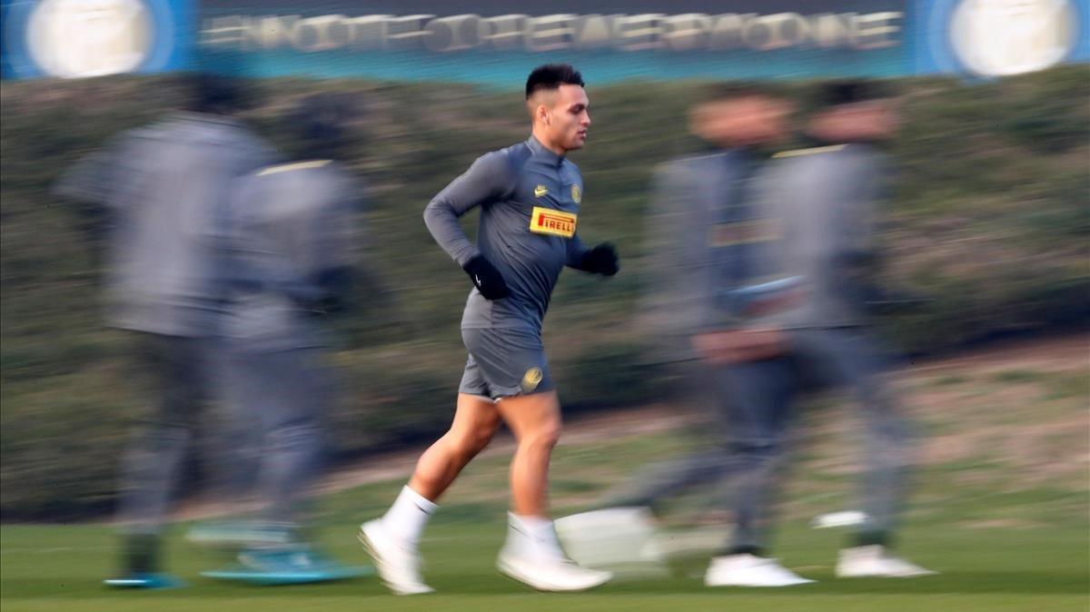 Lautaro Martínez, en el entrenamiento previo a la visita del Barça al Inter.