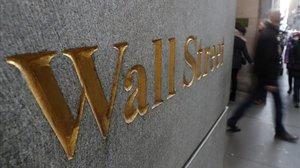 Letras de Wall Street en el exterior de la Bolsa de Nueva York.
