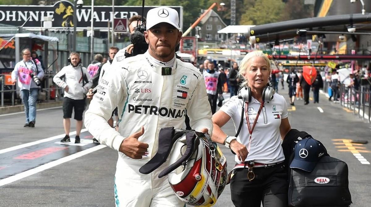 Lewis Hamilton celebra su nueva pole en Spa.