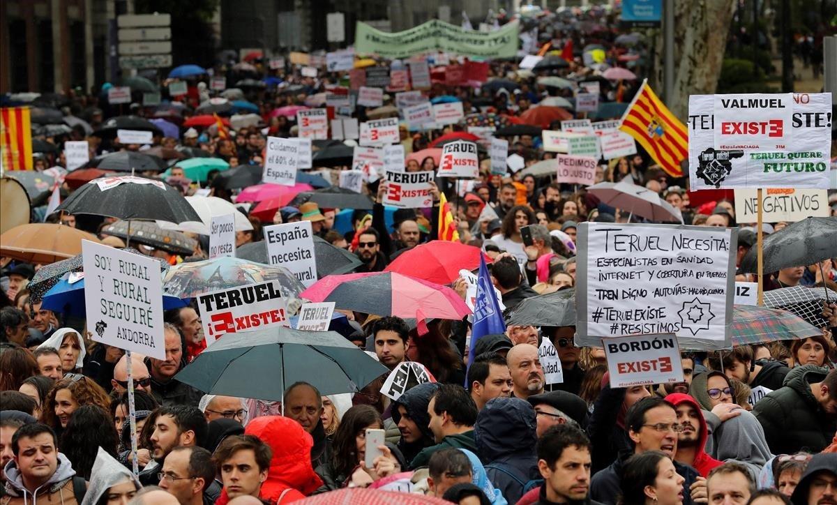 Manifestación de 90 colectivos de 23 provincias de la España vaciada en Madrid, el pasado 31 de marzo.