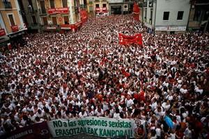 Manifestación de rechazo a la violación en San Fermín, en Pamplona.