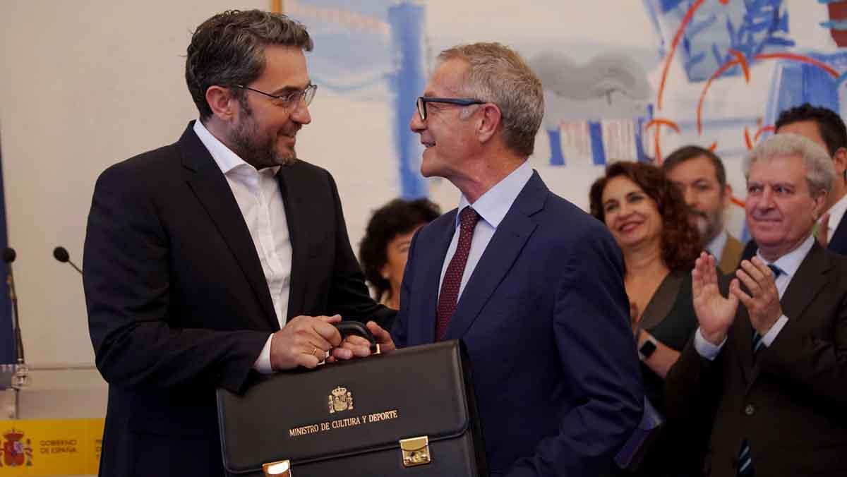 Guirau recibe la cartera en el ministerio y agradece a su predecesor la manera impecable con la que ha dejado el cargo.