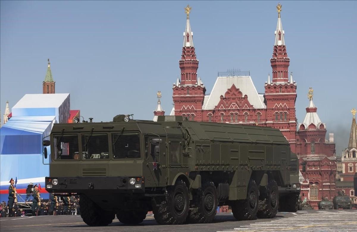 Misiles rusos Iskander en el desfile del Día de la Victoria en la plaza roja de Moscú.