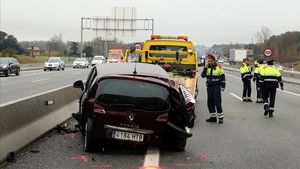 Muere atropellado un conductor al apearse en la A-2 tras un accidente múltiple