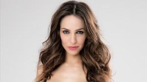 Nerea Garmendia, copresentadora del nuevo programa de TVE-1 Alfombra roja.