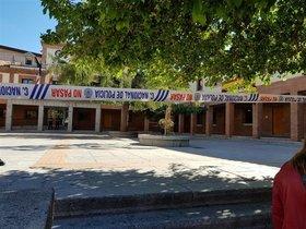La Policía Nacional ha acordonado el Ayuntamiento de Las Rozas para registrarlo, en una operación junto a la Fiscalía Anticorrupción.
