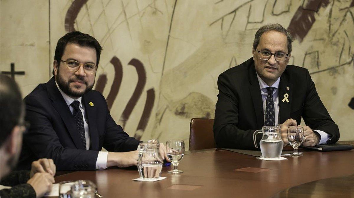 Pere Aragonès y Quim Torra, en la reunión extraordinaria del Consell Executiu, el 31 de mayo.
